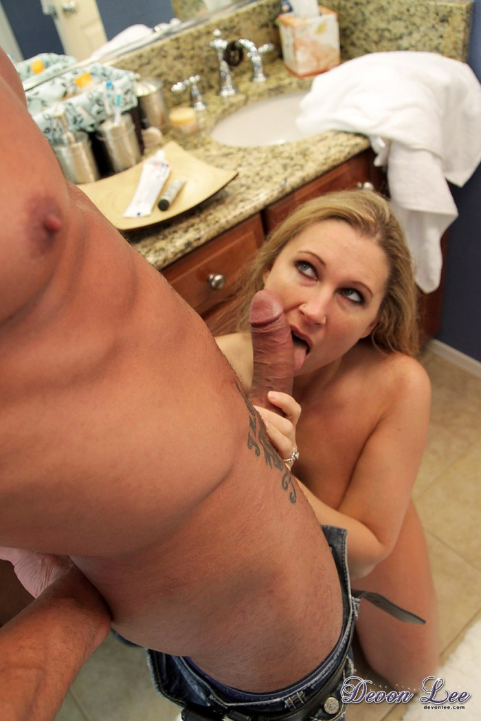 Devon Lee Licking